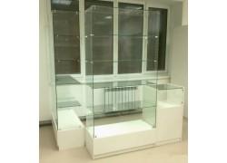 Стеклянная витрина на заказ в Одессе
