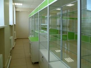 Витрины для аптеки под заказ Одесса