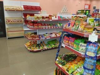 Двусторонние стеллажи для магазинов